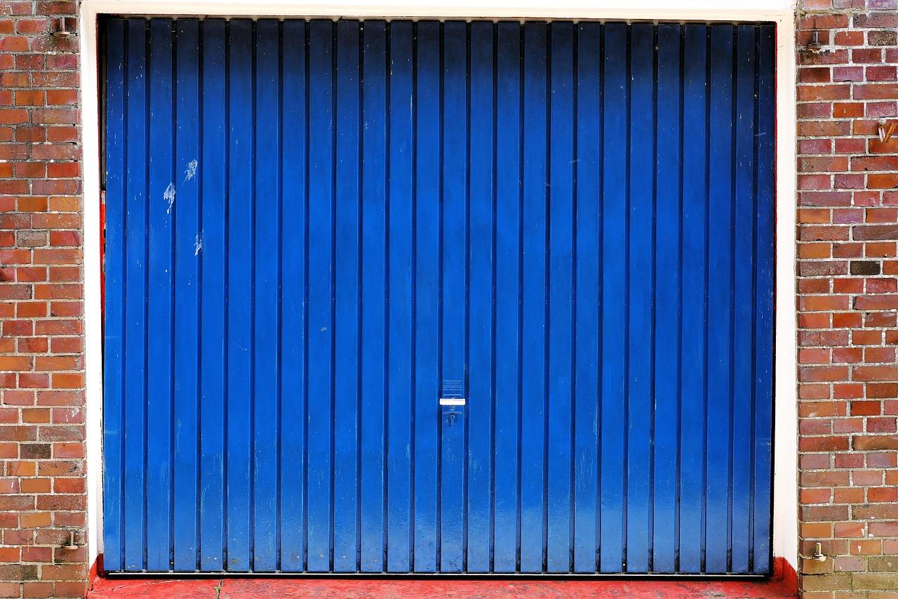 Garage Door 742603_1280