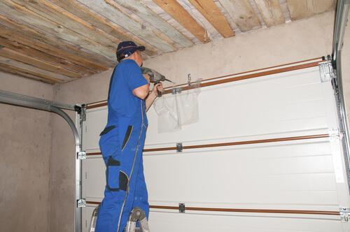 Garage door repair for roller garage door